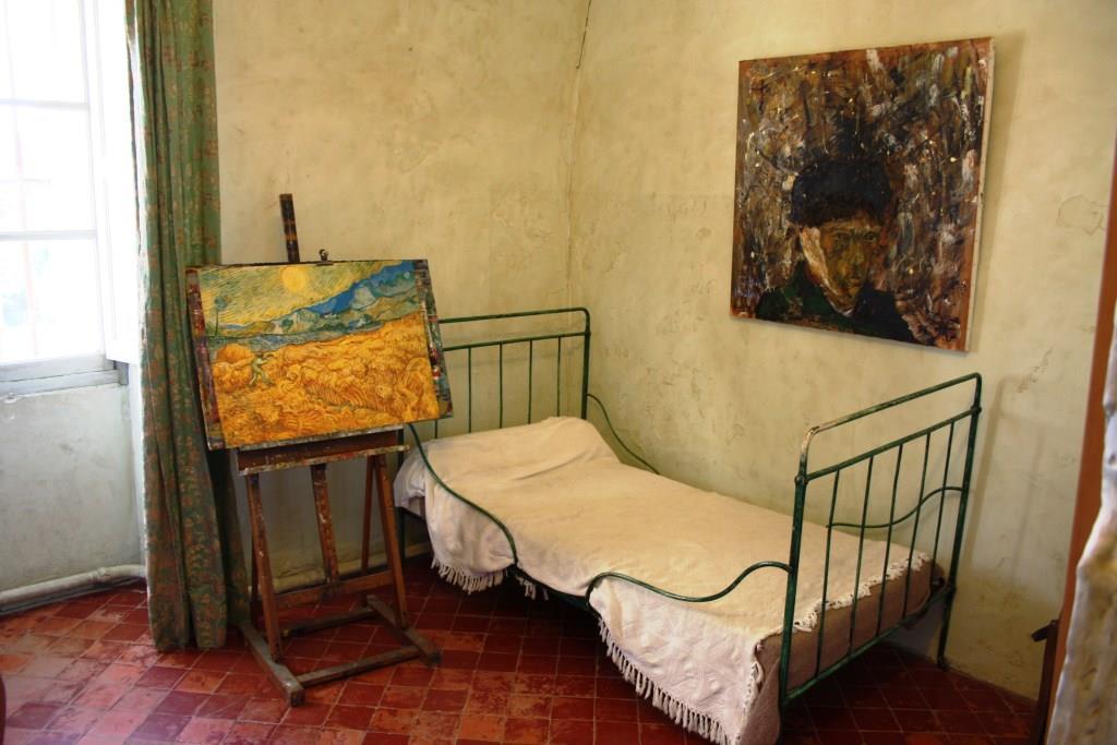 Das ist das nachgebildete Van-Gogh-Zimmer in St. Remy