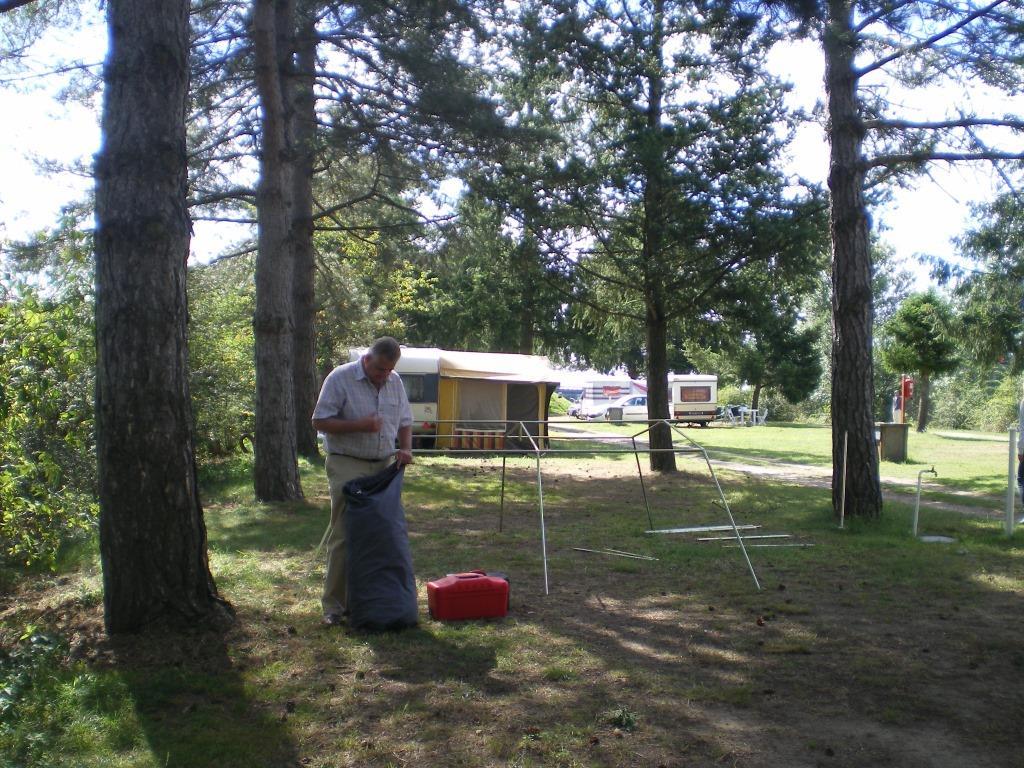 ...und jetzt erst einmal das Zelt aufbauen